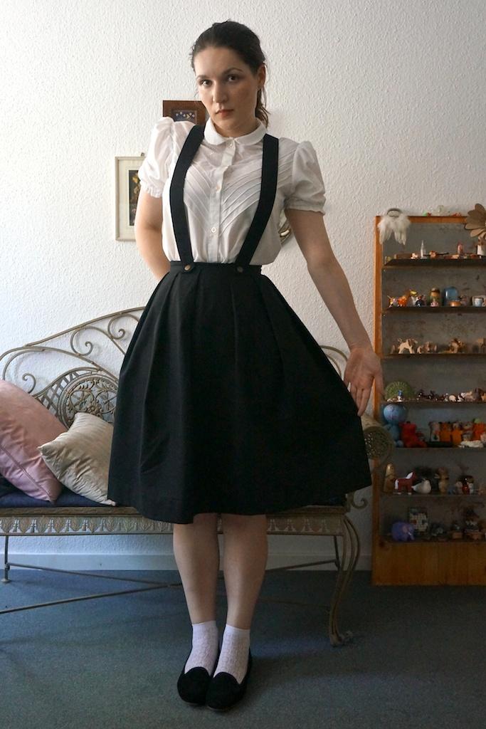 Trägerrock // Suspender skirt | Draped in Cloudlets