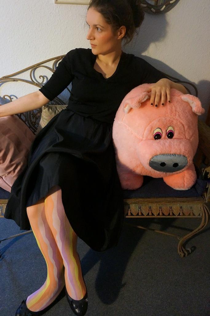 ferkel piglet draped in cloudlets. Black Bedroom Furniture Sets. Home Design Ideas